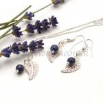 Blaadjes met edelsteen, leaves with gemstones from violetmoon.nl