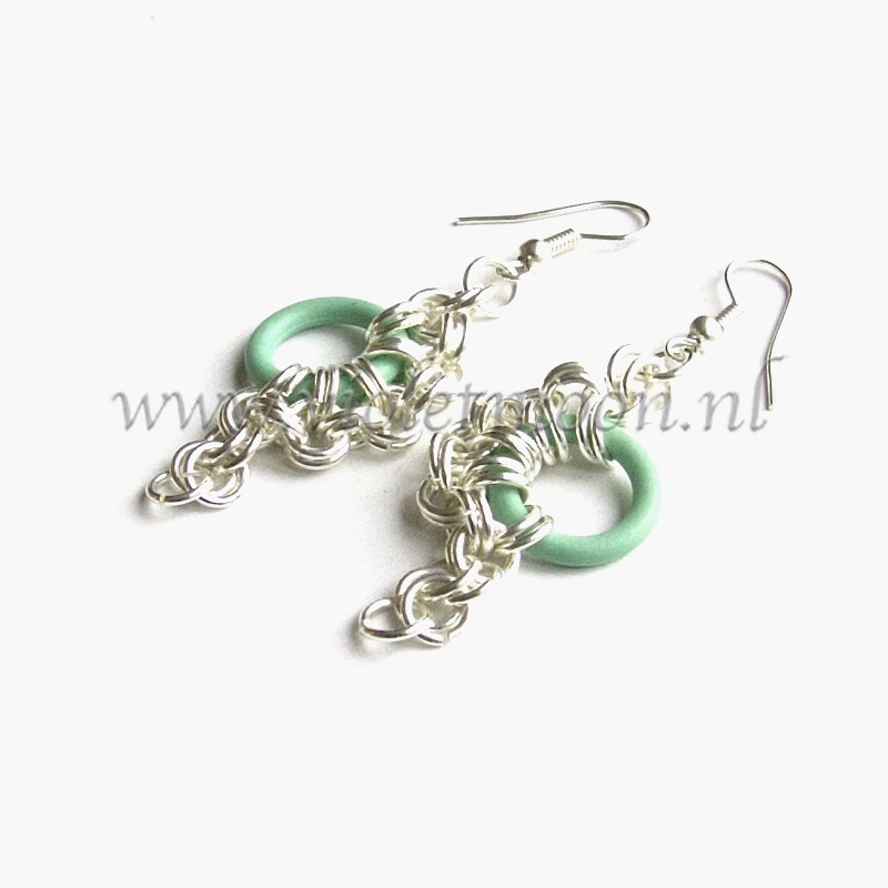Chain maille Oorbellen / Chain maille Earrings sea-green from violetmoon.nl