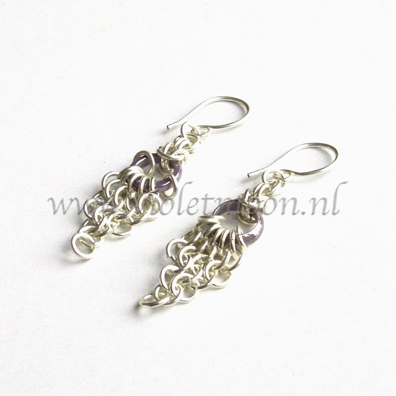 Chain maille Oorbellen / Chain maille Earrings purple from violetmoon.nl