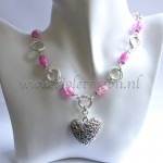 Mobius Pink heart ketting / necklace by violetmoon.nl