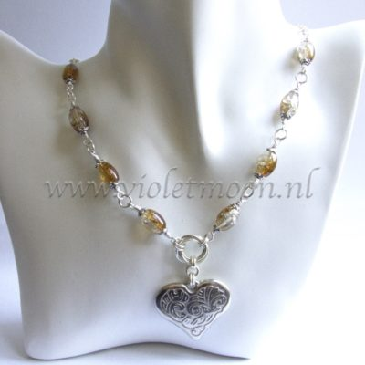 Mobius honey brown heart ketting / necklace by violetmoon.nl