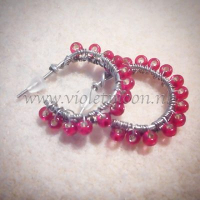 red wire hoops from violetmoon.nl