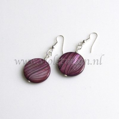 Mother of Pearl oorbellen / Mother of Pearl earrings from violetmoon.nl