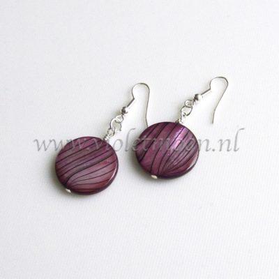 Mother of Pearl oorbellen / Mother of Pearl earrings from violetmoon.nl