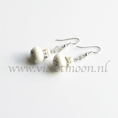 Spons Koraal oorbellen / Sponch Coral earrings from violetmoon.nl
