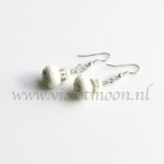 Spons Koraal oorbellen / Sponch Coral earrings from violetmoon.nl