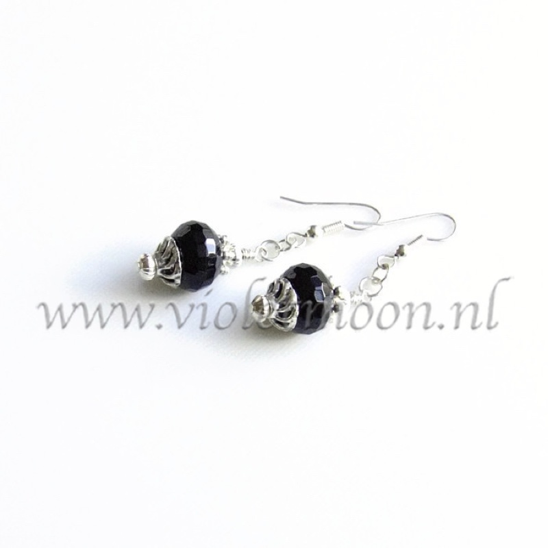 Onyx earrings by violetmoon.nl