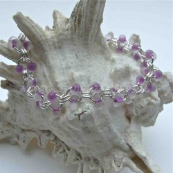 Chain bracelet with frosted purple farfalle beads