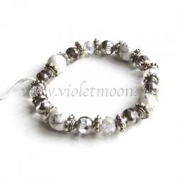 White howlite bracelet silver colour