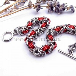 Byzantine chain maille bracelet in bare and red anodised aluminum rings.