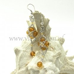 Follow me earrings tutorial sample with Amber