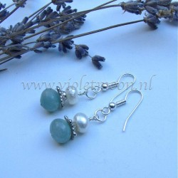 Aquamarine and fresh water pearls earrings