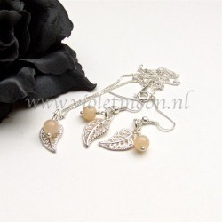 Jewelry set with silver plated filigree Leaves and Pink Aventurine