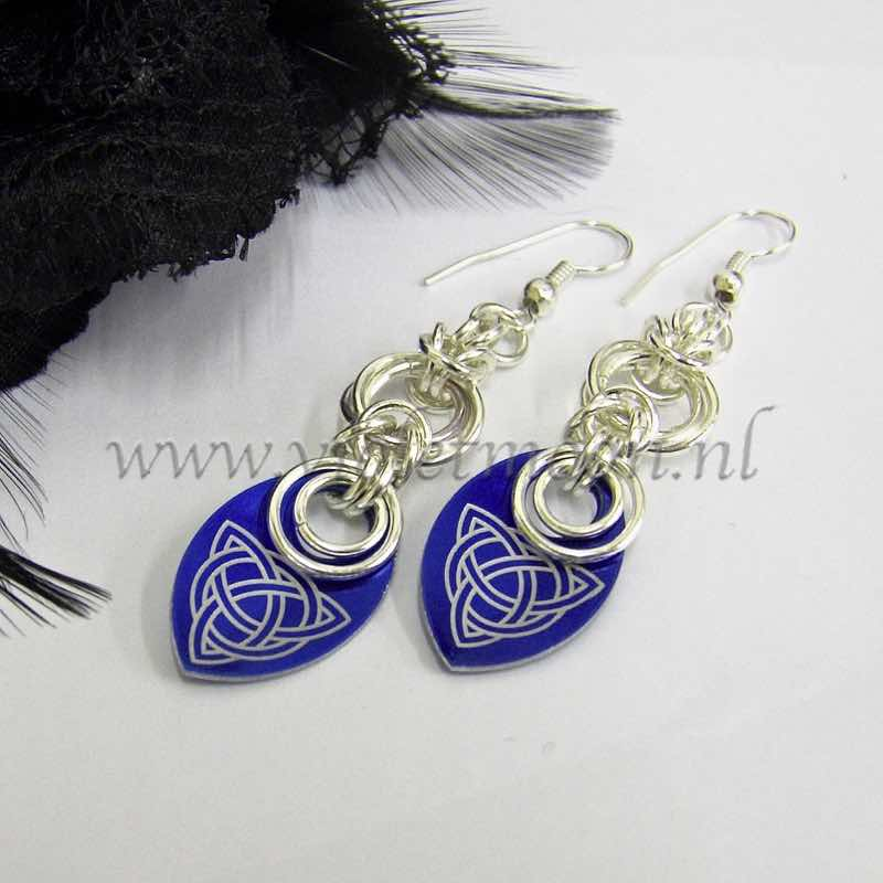 deel 8 oorbellen / part 8 earrings