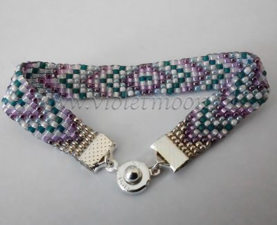 square stitch bracelet from violetmoon.nl